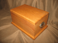 Standard Urn in Silky Oak